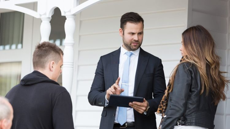 How to Become the Greatest Real Estate Agent in the World