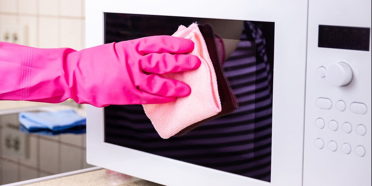 Tips that will guide you to keep your microwave oven clean without uptilting much of efforts